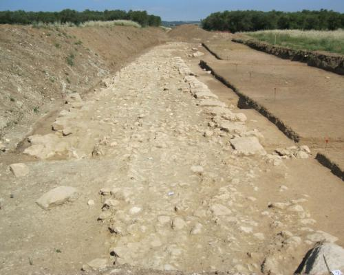 13. Contrada Minerva, Castellaneta (Province of Taranto): aerial photograph of a section of the Via Appia Antica discovered during work on the Massafra-Bicari gas pipeline.